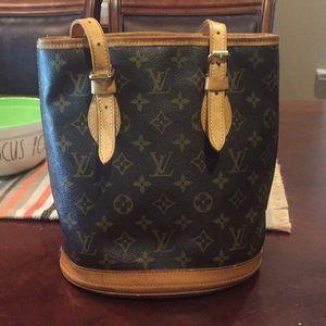 Small petite Louis Vuitton bucket Authentic purse